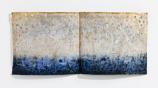 Jin-Sook So, View the Storsjön (Photo: Pack Myung Re) Steel mesh, electroplated silver, gold painted acrylic color, 90 x 42 x 9 cm, 2012