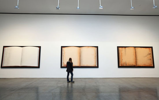 """Ed Ruscha"" at Gagosian Gallery, Chelsea, photo by: Librado Romero"