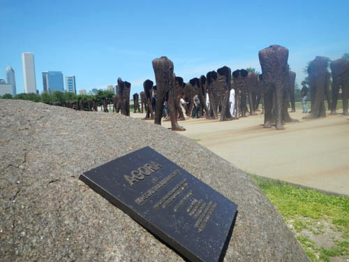 Agora by Magdalena Abakanowicz in Grant Park, photo by Tom Grotta