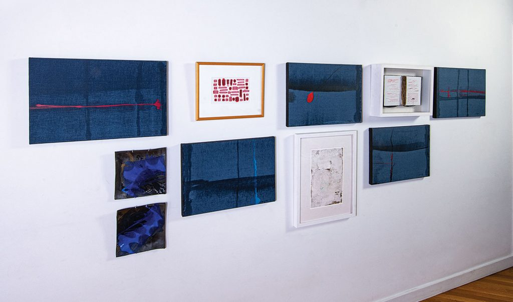 works by Claude Vermette, Wendy Wahl, Caroline Bartlett, Toshiko Takaezu, Joyce Clear. Photo by Tom Grotta